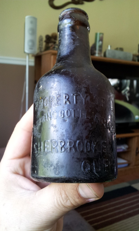 Petite Silver Spring Bottling Works, Sherbrooke Que.  02810