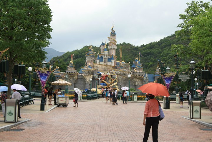 HONG KONG DISNEYLAND RESORT 26350410