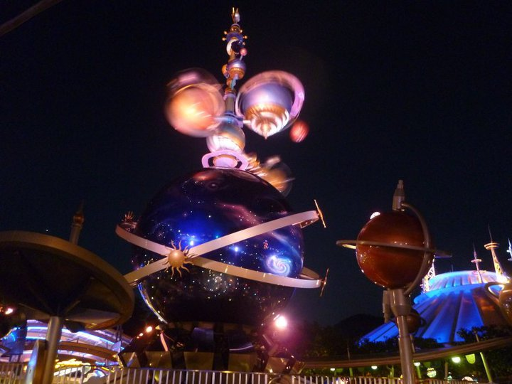 HONG KONG DISNEYLAND RESORT 58765_11