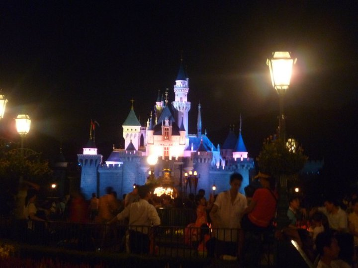 HONG KONG DISNEYLAND RESORT 59860_13