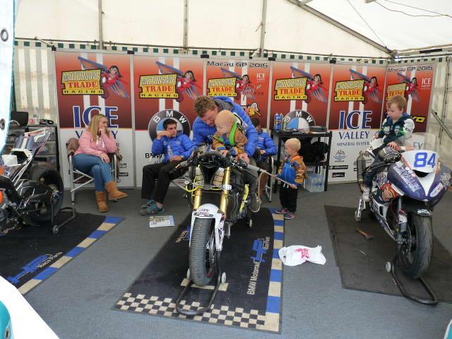 [Road Racing] UGP 2016 - Page 3 P1110032