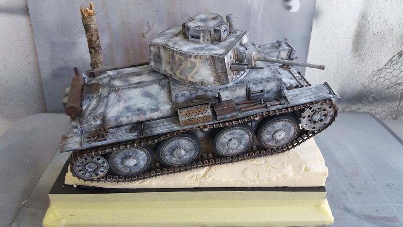 Panzer 38(T) Ausf.E/F - 1/16 - PANDA HOBBY. mise en boue  - Page 11 20160712
