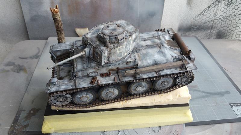 Panzer 38(T) Ausf.E/F - 1/16 - PANDA HOBBY. mise en boue  - Page 12 20160726