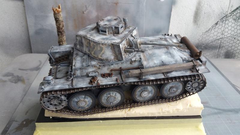 Panzer 38(T) Ausf.E/F - 1/16 - PANDA HOBBY. mise en boue  - Page 12 20160727