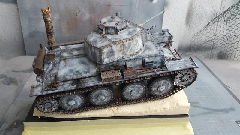 Panzer 38(T) Ausf.E/F - 1/16 - PANDA HOBBY. mise en boue  - Page 12 20160729