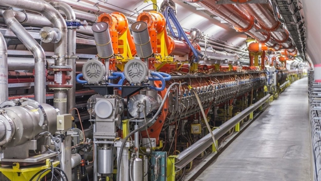 SPS  ( 5 )   -   MACHINE  -  The Super Proton Synchrotron   -   Synchrotron  [ A FINIR TRAD ]    -   40th birthday Rsz_1310