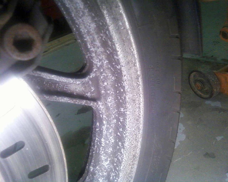Best way to clean painted wheels? Front_10