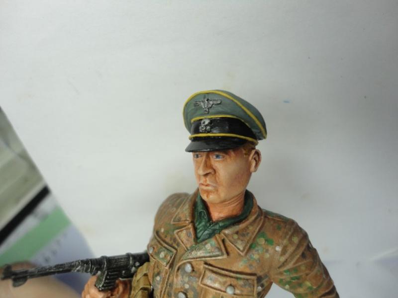 Officier de cavalerie SS WWII - 120 MM - VERLINDEN   ( fini mis en galerie ) - Page 4 Dsc00915