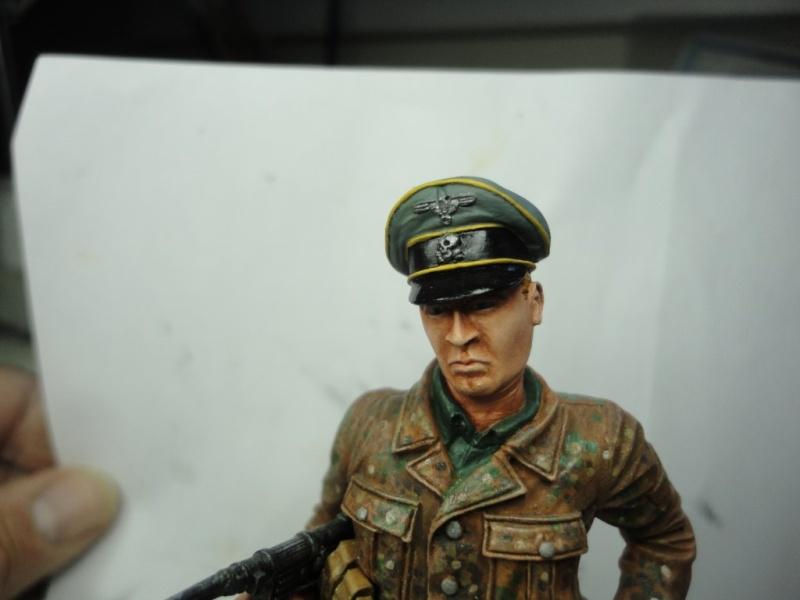 Officier de cavalerie SS WWII - 120 MM - VERLINDEN   ( fini mis en galerie ) - Page 4 Dsc00916