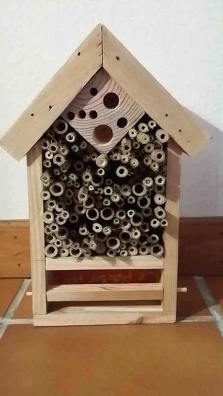 Un hôtel à insectes pas cher. Nn10