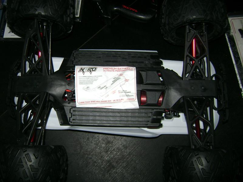 Arrma Monster Truck Nero BLX EDC /  Fazon & Big Rock de Trankilou&Trankilette 27_07_13