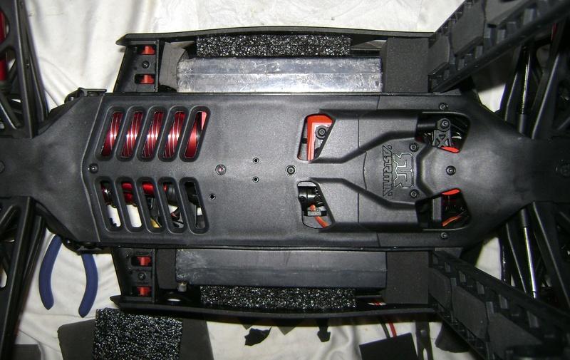 Arrma Monster Truck Nero BLX EDC /  Fazon & Big Rock de Trankilou&Trankilette 28_07_43
