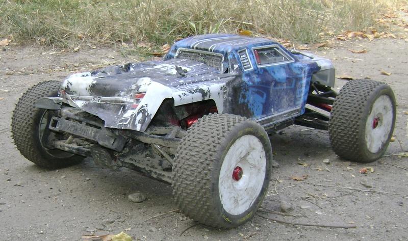 Arrma Monster Truck Nero BLX EDC /  Fazon & Big Rock de Trankilou&Trankilette - Page 3 Tof_1135