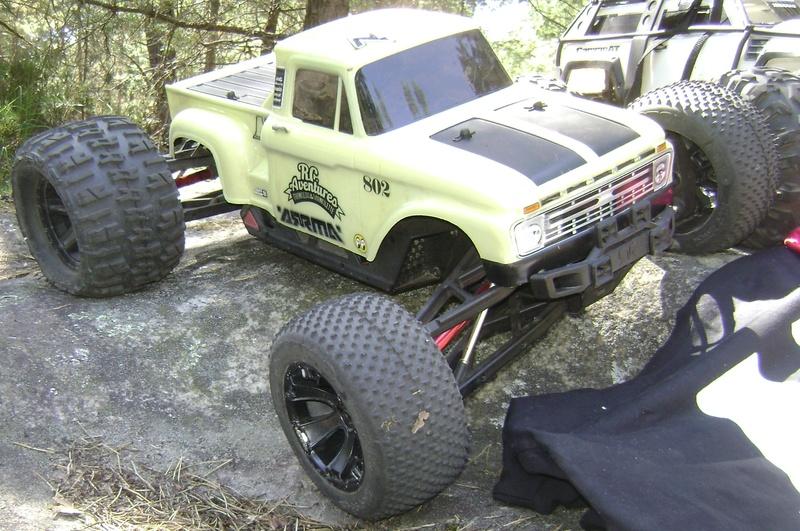 Arrma Monster Truck Nero BLX EDC /  Fazon & Big Rock de Trankilou&Trankilette - Page 4 Tof_1539