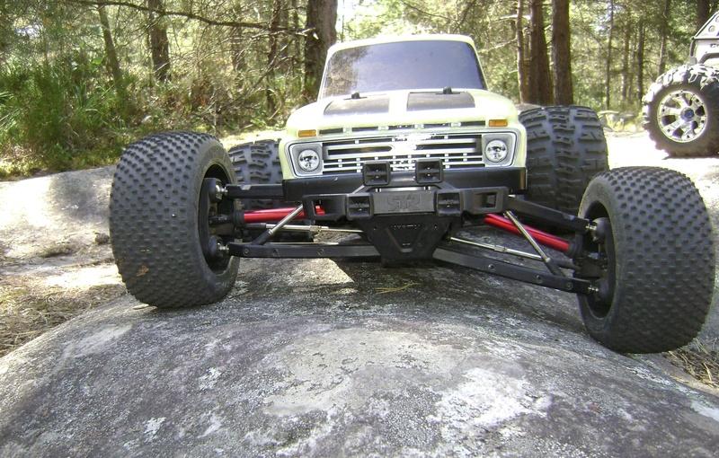 Arrma Monster Truck Nero BLX EDC /  Fazon & Big Rock de Trankilou&Trankilette - Page 4 Tof_1541