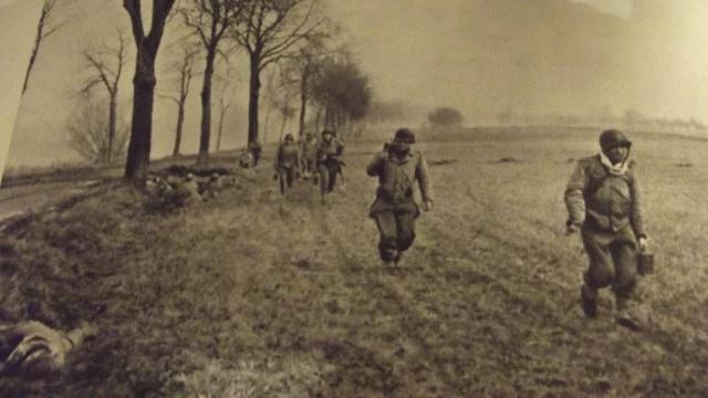 Représenter un homme du régiment de Marche du Tchad, comment ça marche? Dscf4517