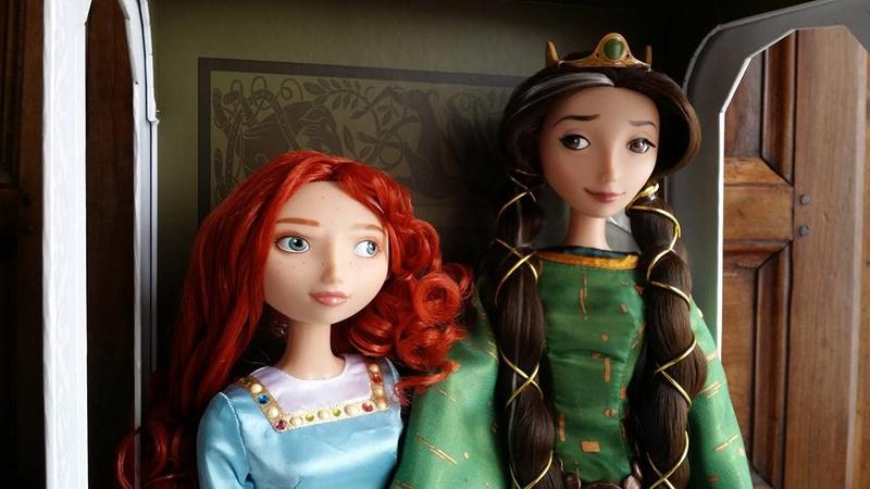 Disney Store Poupées Limited Edition 17'' (depuis 2009) - Page 3 13886410