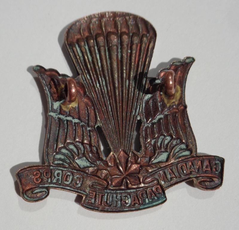 Canadian Parachute Corps Cap badge Dsc01912