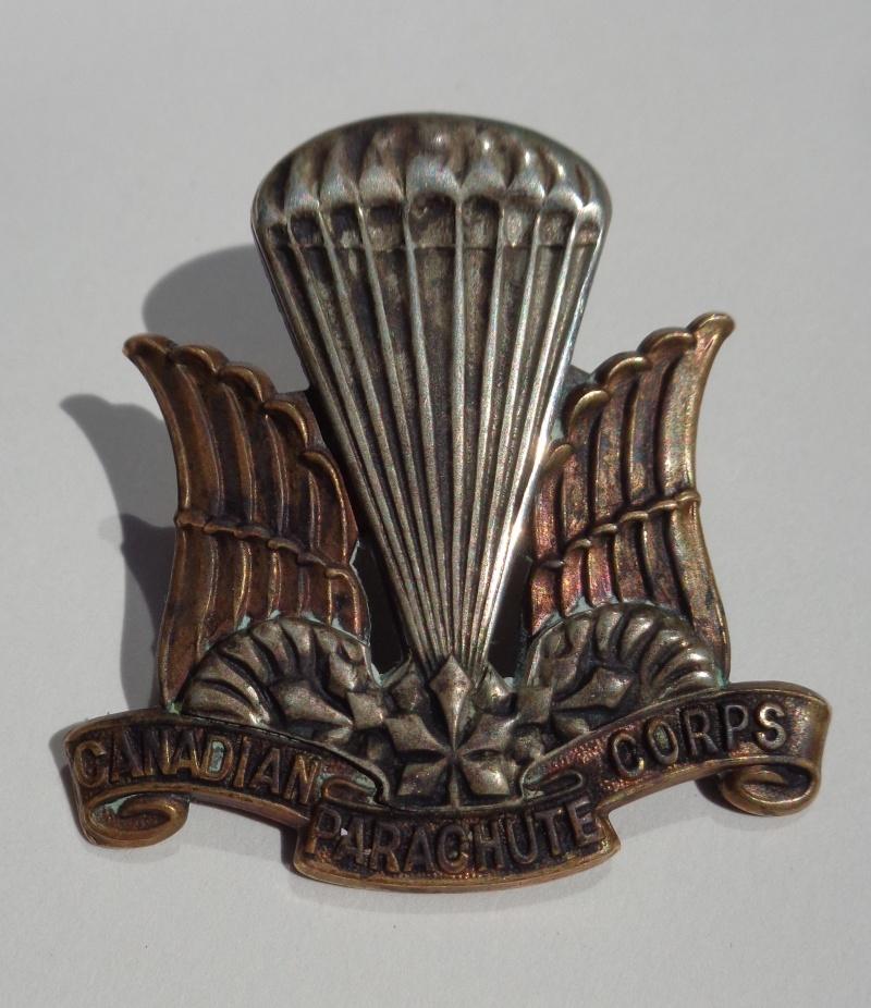 Canadian Parachute Corps Cap badge Dsc01913