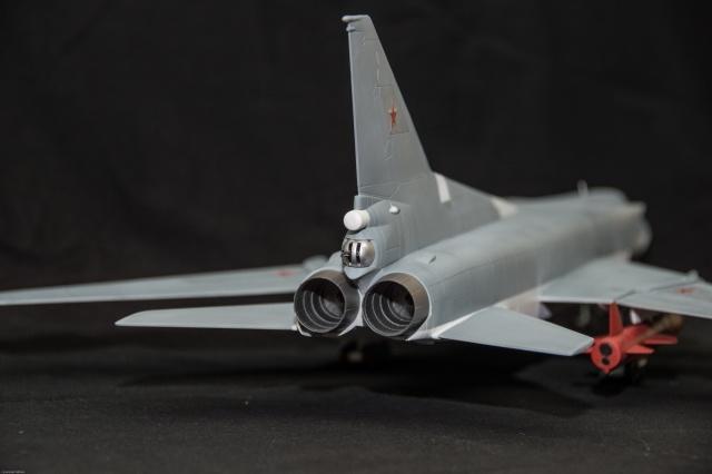 AMT Tupolev 22M 1/72 Tupole12