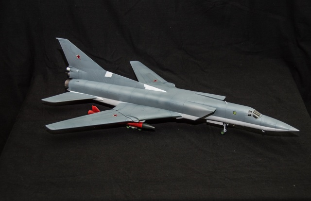 AMT Tupolev 22M 1/72 Tupole13