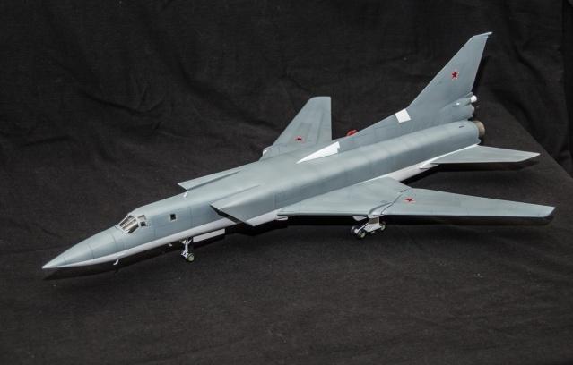 AMT Tupolev 22M 1/72 Tupole14
