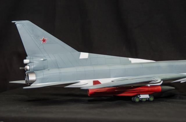 AMT Tupolev 22M 1/72 Tupole15