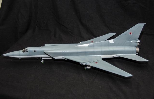 AMT Tupolev 22M 1/72 Tupole16