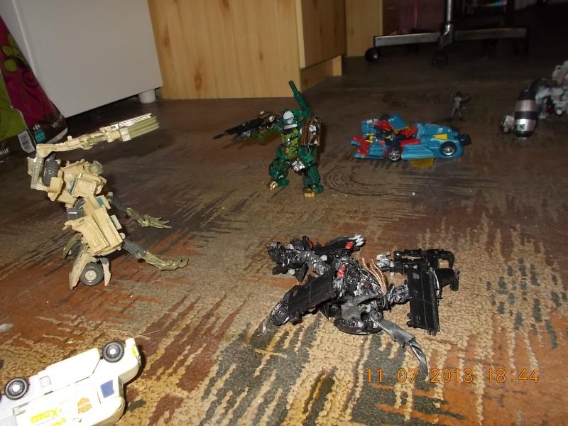 Guerres Transformers! Montrez-moi vos batailles et guerres épiques en photo ici. - Page 4 Mama_017