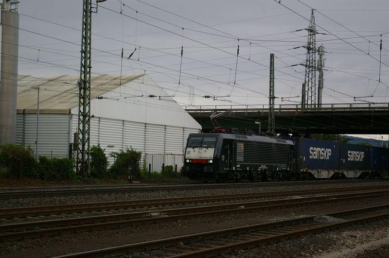 Was die Züge so bewegt ... - Seite 4 189_2010