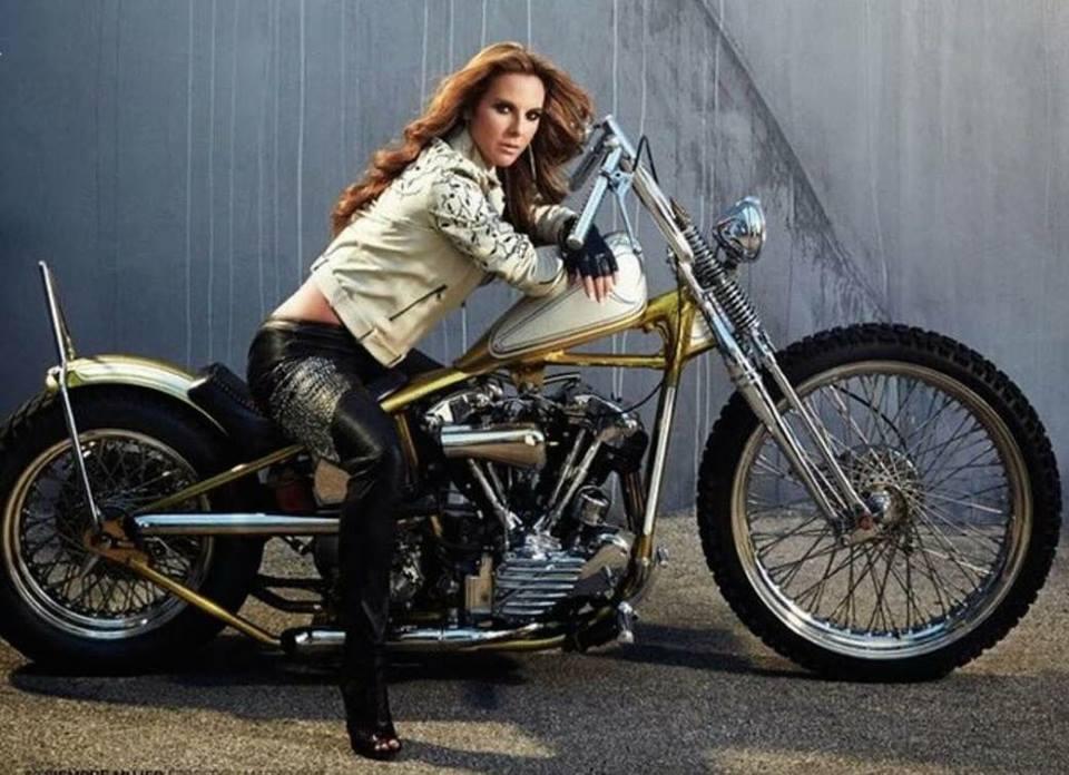 Ils ont posé avec une Harley, uniquement les People 54413210