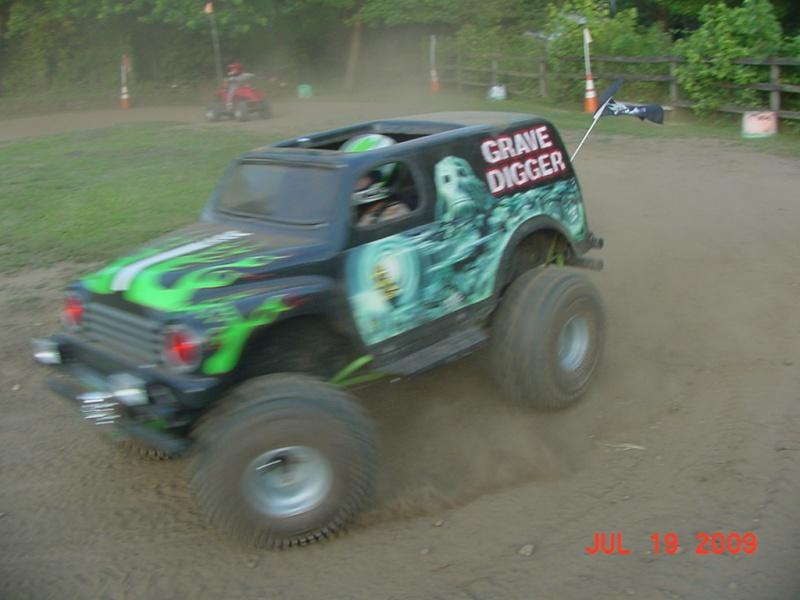 My son's Grave Digger Monster Truck Go-Kart  Dsc00019