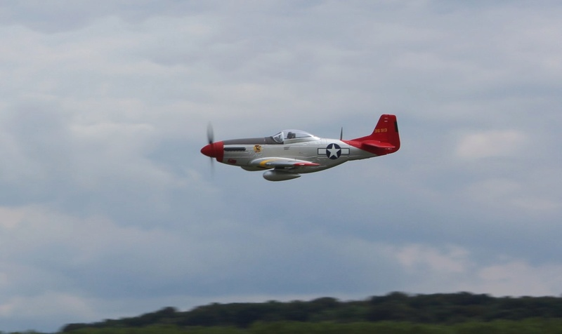 P-51 Mustang Red Tail 1200-i12