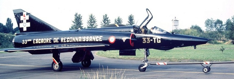 Mirage III RD de ER 3/33 Moselle en 1988 (Heller) 011e10