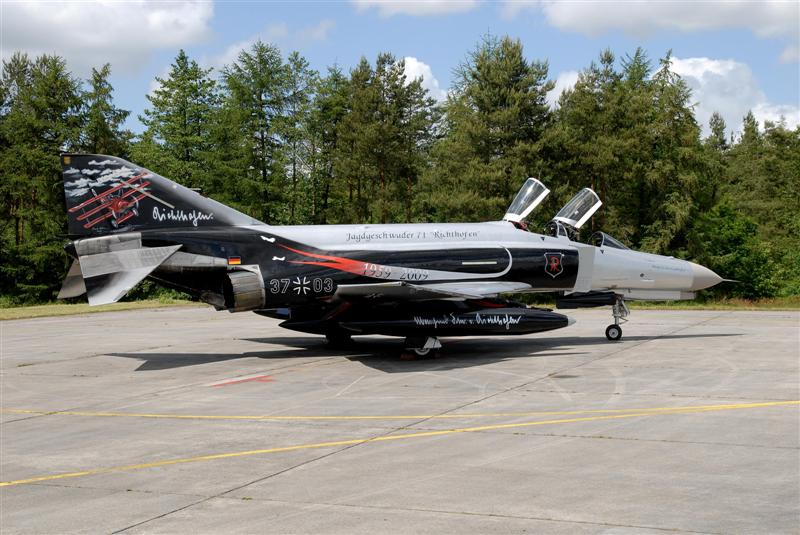 "F4 F PHANTOM ""anniversaire 50 ans du Jagd Richthophen"" (Revell) F-4f_311"