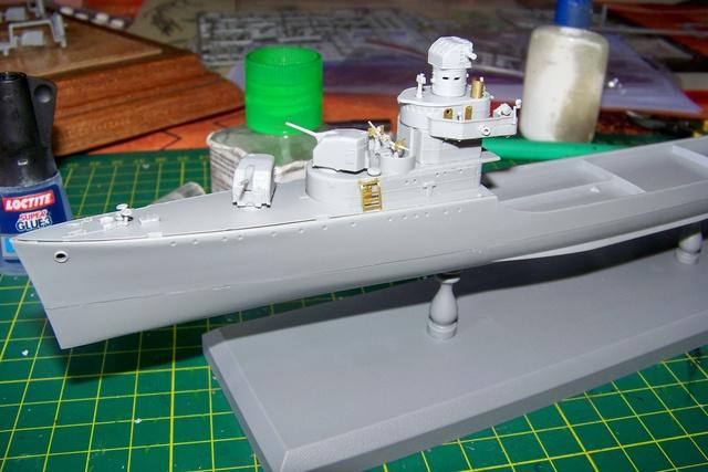 USS Murphy DD603 (Dragon 1/350 USS Laffey Classe Benson) 100_0722