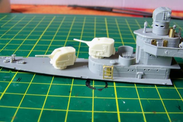 USS Murphy DD603 (Dragon 1/350 USS Laffey Classe Benson) 100_0724
