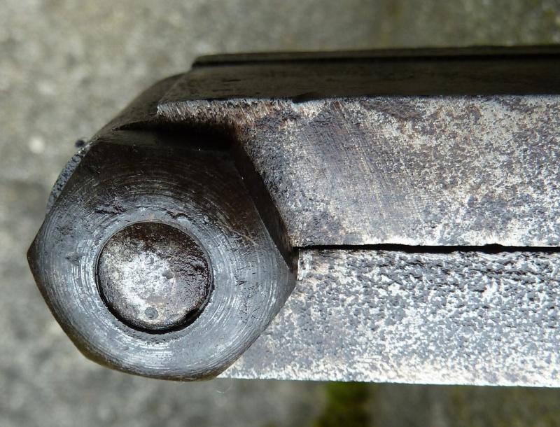 méthode de blocage vis-boulon sur moule ancien P1120711
