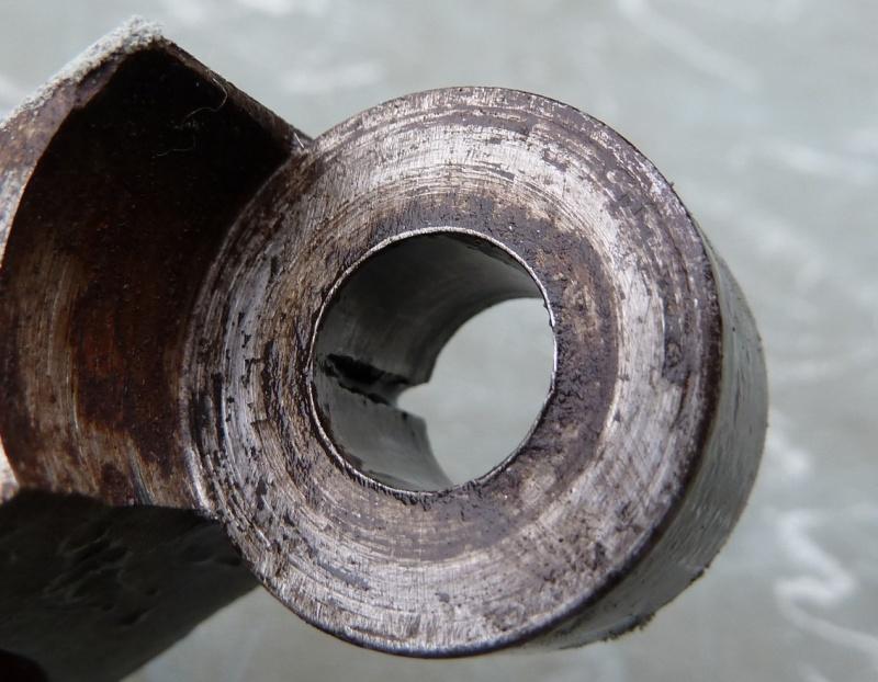 méthode de blocage vis-boulon sur moule ancien P1120811
