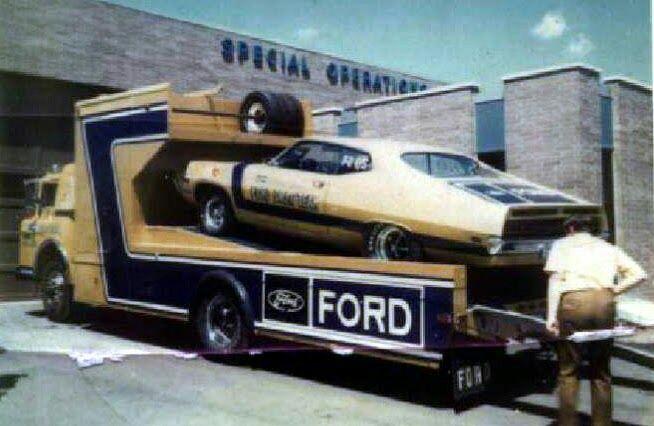 Pour les amateurs de Racing car haulers  1013