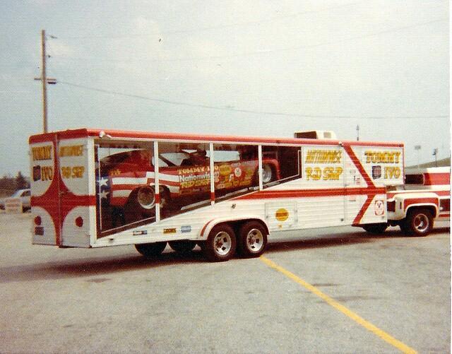 Pour les amateurs de Racing car haulers  313