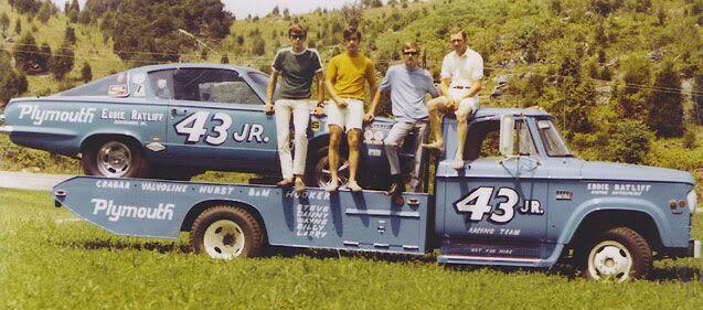 Pour les amateurs de Racing car haulers  413