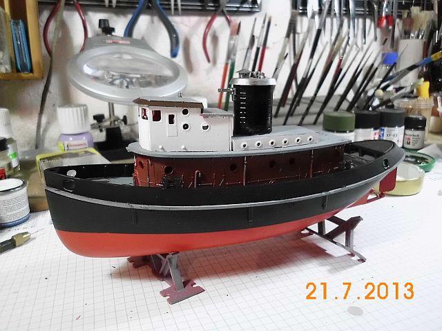 Revell 05207 - Hafenschlepper 1/108 - Fertig 711