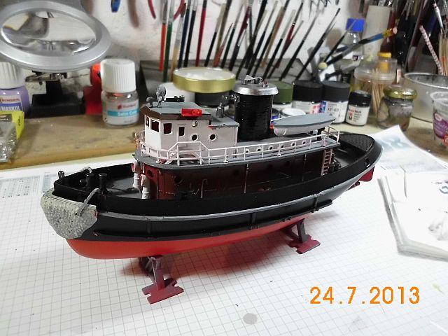 Revell 05207 - Hafenschlepper 1/108 - Fertig 811