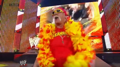 #RAW82 : Hulkster Guest Host tonight 314