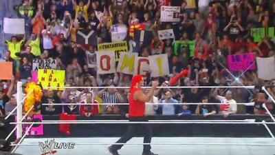 #RAW82 : Hulkster Guest Host tonight 7510