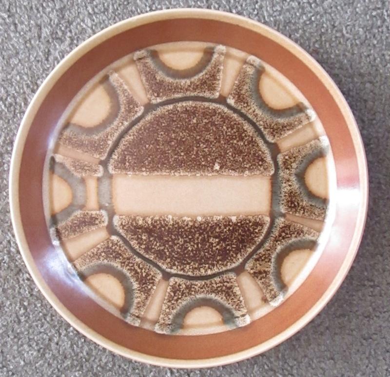 Crown Lynn test pattern  Img_4836