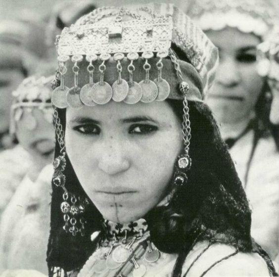 Exemples d'habits modestes  pour la femme Israélite 3948ef10