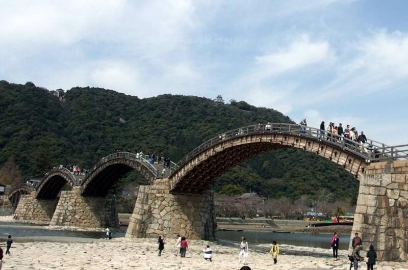 Les ponts en bois du monde. 2016-010