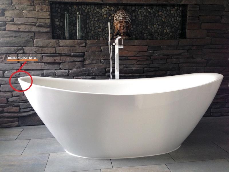 Vasca Da Bagno Graffiata : Eliminare graffi su vasca da bagno in acrilico